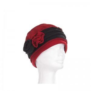 Chapeau enfant polaire bicolore rouge foncé-noir plus deux fleurs de côté