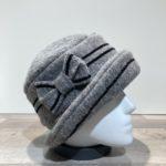 Chapeau cloche gris clair doublure polaire