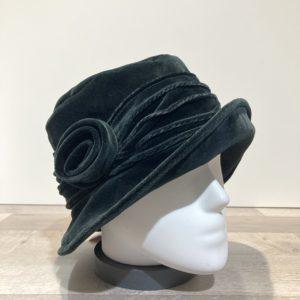 Chapeau cloche velours noir doublure polaire