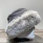 Toque gris cuir fausse fourrure doublée fantaisie