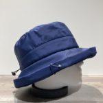 Chapeau cloche de pluie bleu doublure polaire