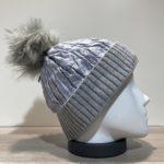 Bonnet gris doublé avec pompon