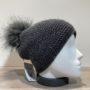 Bonnet uni anthracite doublé avec pompon