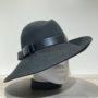 Chapeau feutre laine asymétrique bord franc noir