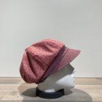 Casquette gavroche motifs rose foncé élastiquée doublée