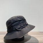 Chapeau bob de pluie noir doublé