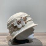 Chapeau cloche blanc doublure polaire