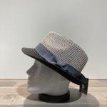 Chapeau trilby gris-noir paille papier malléable